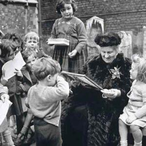 pe parcursul intregii sale vieti pana in 1952 in olanda maria a trait o perioada dificila cauzata de razboi si de opozitia sa fata de regimul lui - Maria Montessori Lebenslauf